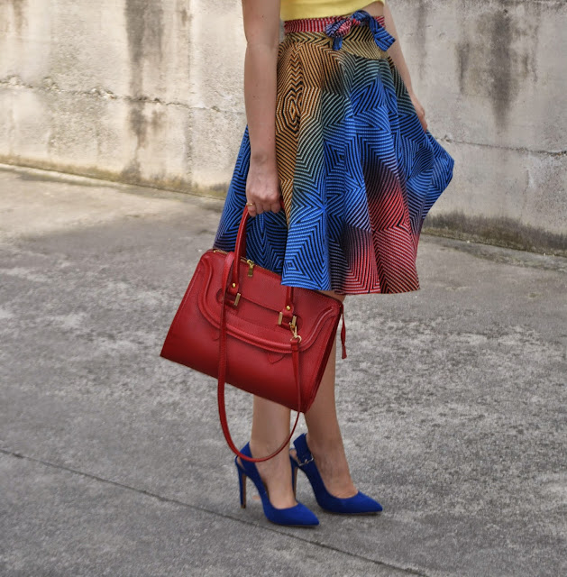 borsa rossa outfit borsa rossa abbinamenti borsa rossa scarpe blu abbinamenti scarpe blu come abbinare le scarpe blu mariafelicia magno fashion blogger colorblock by felym  outfit gonna a ruota outfit midi skirt abbinamenti gonna a ruota come abbinare la gonna a ruota gonna a ruota e crop top mariafelicia magno fashion blogger colorblock by felym mariafelicia magnooutfit crop top come abbinare il crop top abbinamenti crop top outfit borsa rossa come abbinare la borsa rossa outfit scarpe blu come abbinare le scarpe blu abbinamenti scarpe blu outfit estivi outfit estivi donna outfit estate 2015 outfit maggio 2015 how to wear round circle midi skirt midi skirt outfit blue heels outfit red bag outfit how to wear blue heels how to wear red bag summer outfit fashion blog italiani fashion blogger italiane blog di moda blogger italiane di moda fashion bloggers italy bloggers girls blonde hair blondie blonde girls