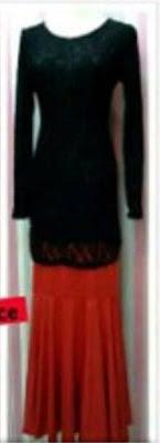 Baju Kurung Lace Hitam, Skirt merah