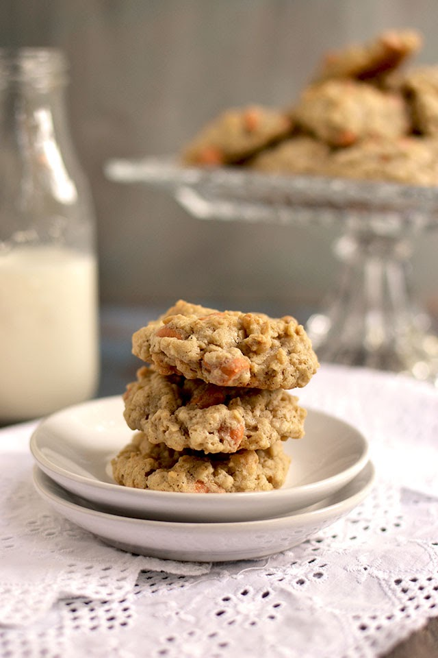 Cookies with Oats & Butterscotch Chips