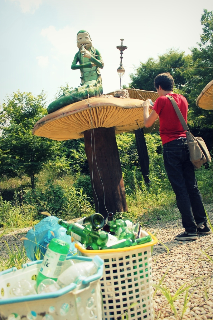 abandoned alice in wonderland theme park in korea lewis carroll