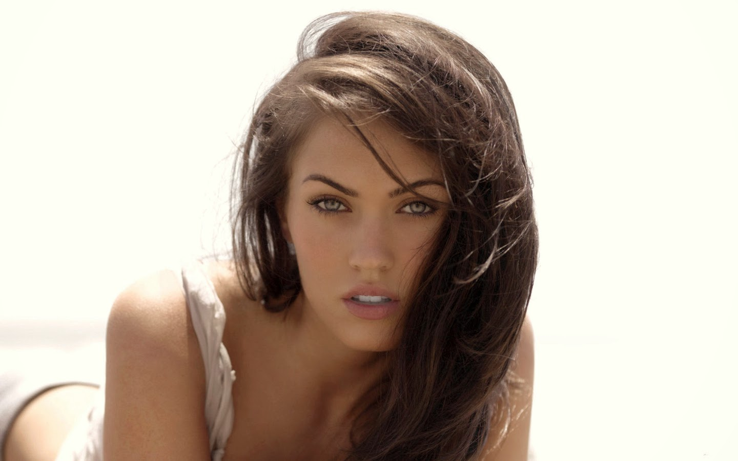 MEGAN FOX_WALLSTOWN_IN_HOLLYWOOD ACTRESS_HOLLYWOOD CELEBRITIES