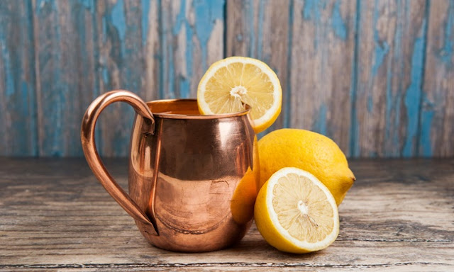 drink water in a copper cup