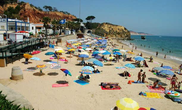 10 Pantai Yang Mempesona
