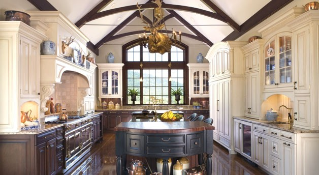 Classic colonial home design Kitchen design colonial home