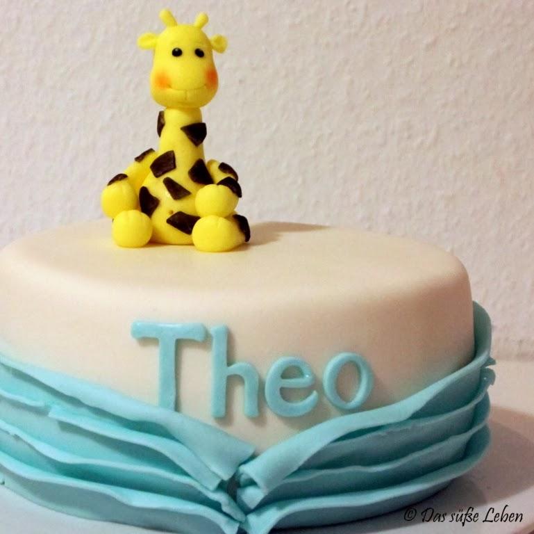 Baby Giraffe Birthday Cake