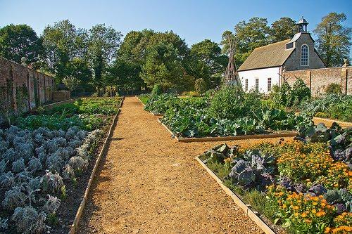 Avebury manor and gardens avebury manor victorian for Kitchen garden
