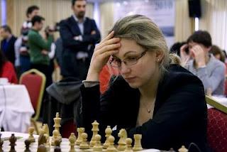 Echecs : la numéro deux française Almira Skripchenko joue le championnat d'Europe féminin d'échecs 2012