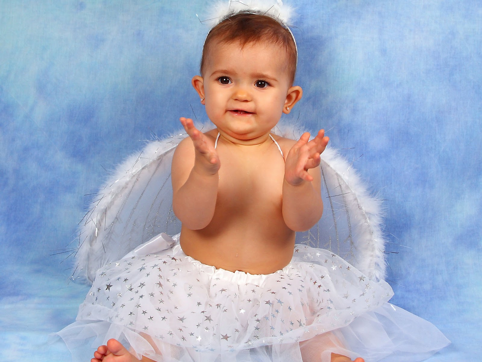 Baby Angels Wallpapers Is Very Cute And Innocent It Can Use Desktop Walls Mobiles