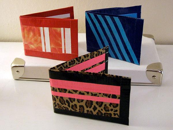 Como hacer una billetera de cinta pato, muy facil (sin coser)
