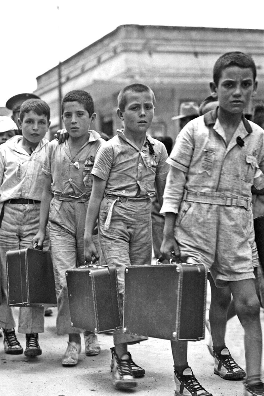 México fue, después de Francia, el segundo país en importancia en la recepción de refugiados españoles, a sus tierras llegaron alrededor de 20 mil. Foto: Llegada de niños españoles a Veracr