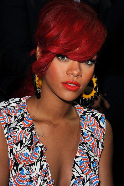 hairstyles of rihanna. Rihanna hairstyle 2011.