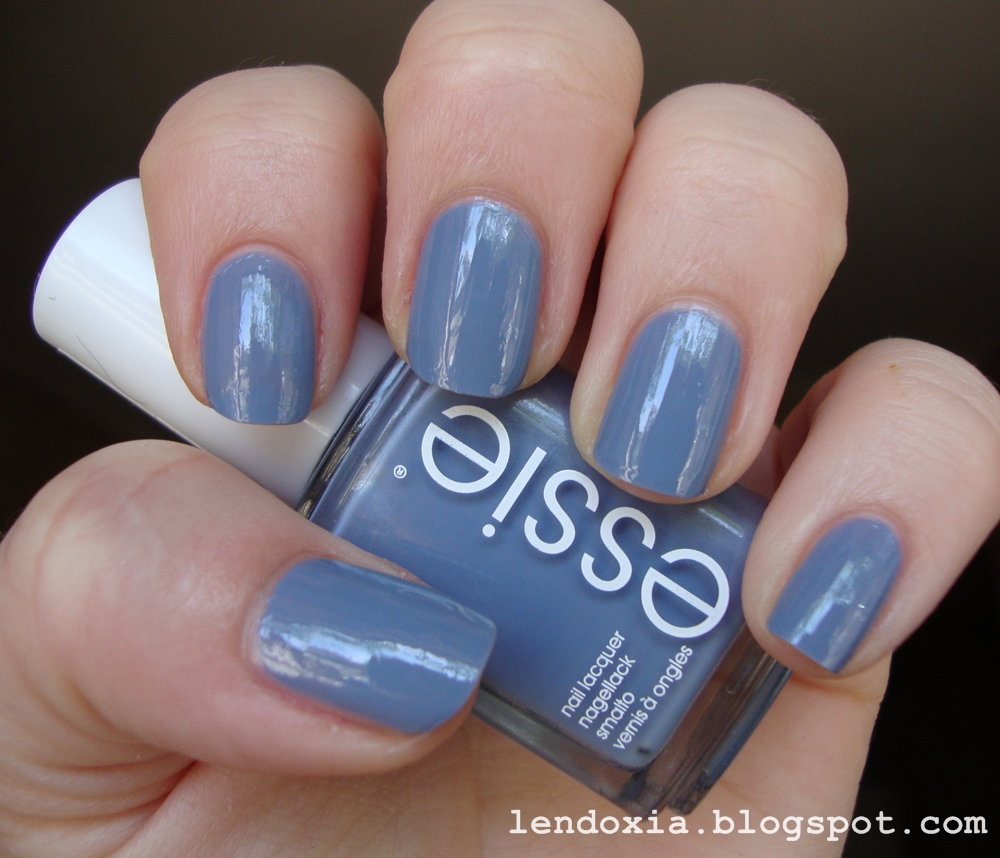 Essie Truth or flare plavi lak za nokte