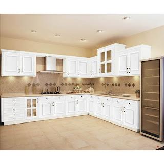 Meuble de cuisine en bois blanc