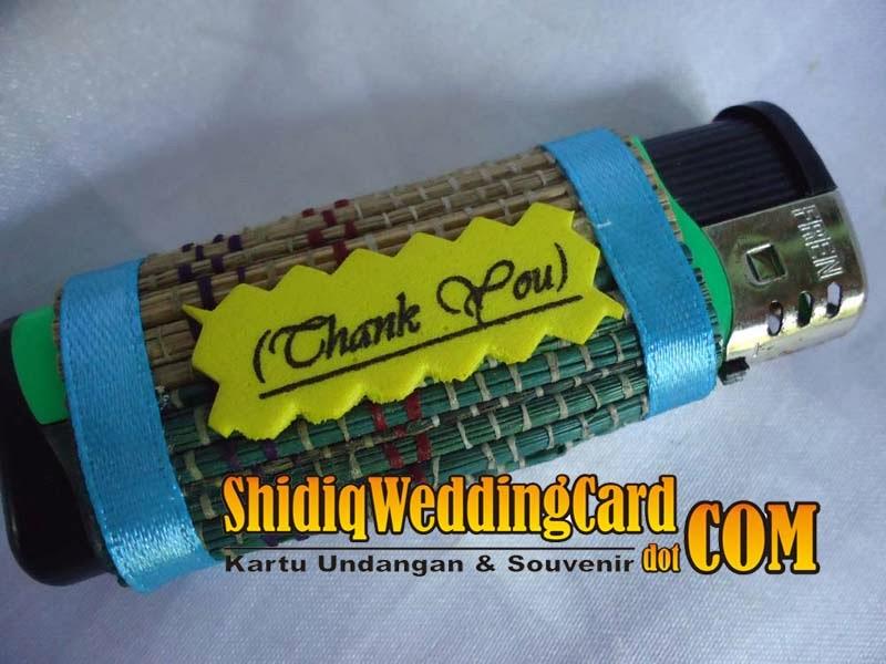 http://www.shidiqweddingcard.com/2014/02/souvenir-korek-gas.html