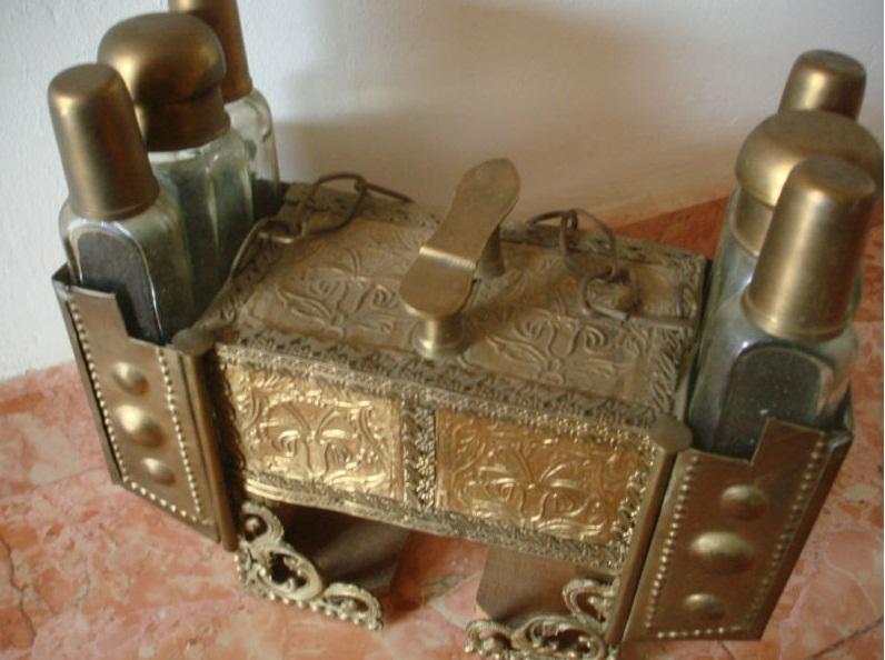 Antigallas antiguo mueble de limpiador de zapatos de for Mueble zapatero antiguo