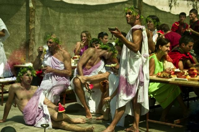 Baños Antiguos Grecia:EN LAS BACANALES DE ROMA, MAS DE UNO PERDIÓ LA CABEZA ~ ISTOPIA