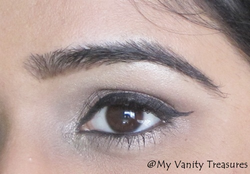 Taupe eye makeup look