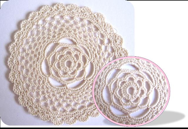 detalle blonda crochet rosa interior