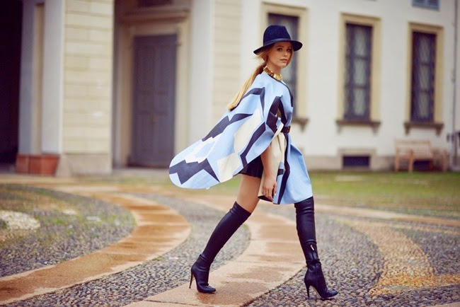 Tod's 2014 AW Light Blue Graphic Cape Street Snap