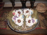 SET OF 4 VINTAGE/VICTORIAN STYLE HEART BOWL FILLERS/ ORNIES