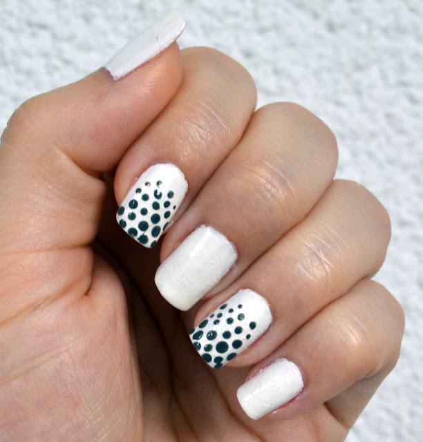 beauty, nails, diy nails, nail design, nail art, white nails. nails with polka dots, notd, natural nails