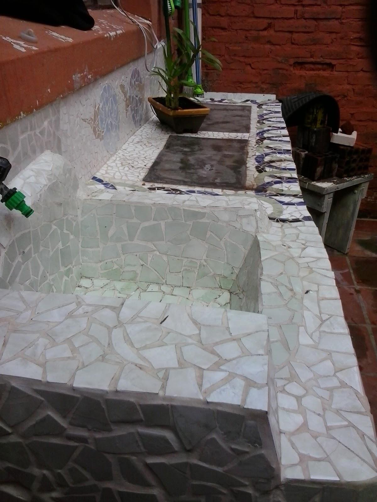 bancada com pia  bancada de concreto  pia de concreto  pia em mosaico  #65382C 1200x1600 Bancada Pia Banheiro Cimento Queimado