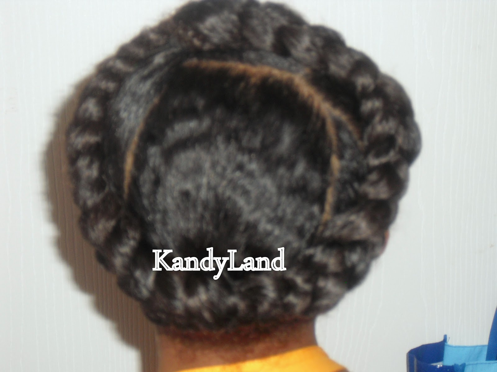 Kandyland celebrity look a like style circle braid as i got closer to the next section i connected and grabbed another section of the hair like you would when cornrowing and added it to the braid ccuart Gallery