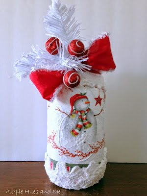 decoupaged Christmas napkins Mason jars decorations