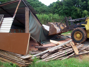 GDF derruba 14 construções irregulares em São Sebastião