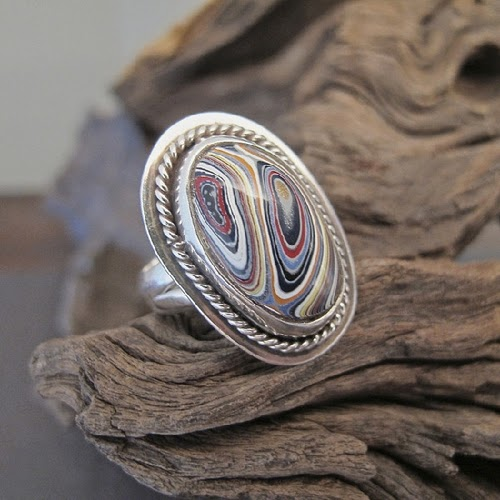 07-Cindy-Dempsey-Motor-Agate-Fordite-Paint-Jewellery-www-designstack-co