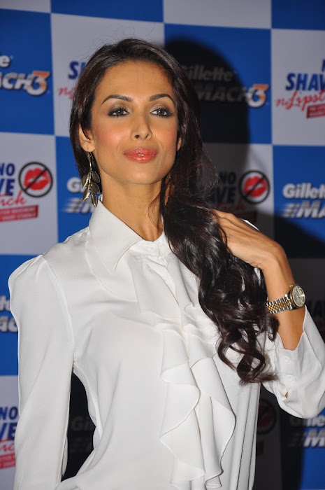 malaika arora at no shave no lipstick launch hot photoshoot