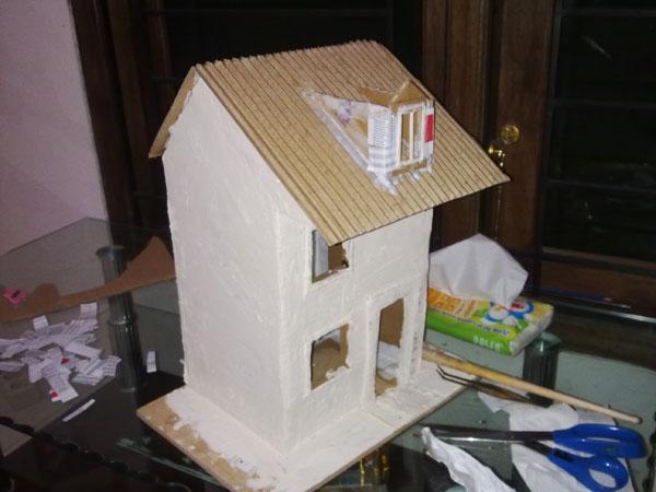 Rumah-rumahan dari Kardus Bekas