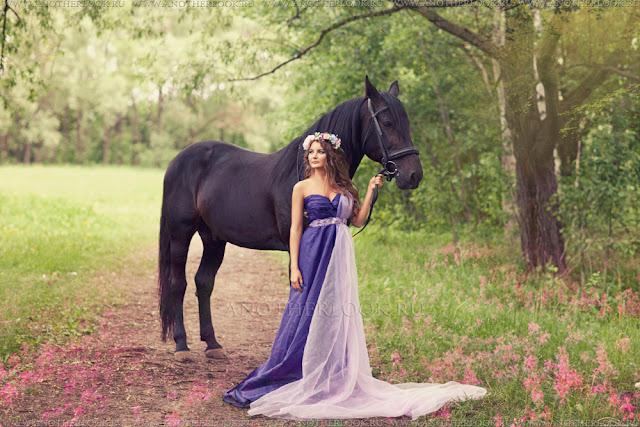 красивая фотосессия феи с лошадью