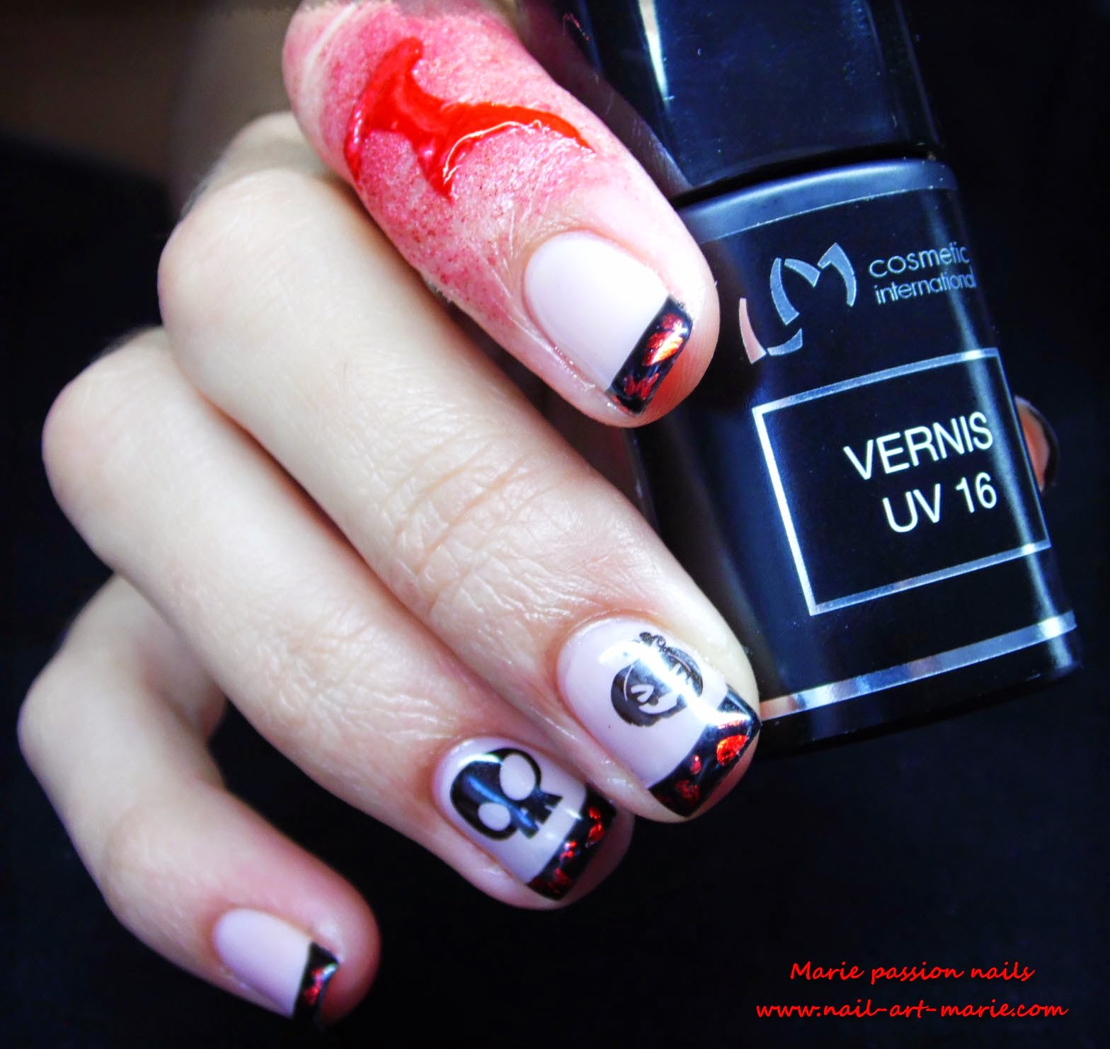 Nail Art d' Halloween en semi-permanent8