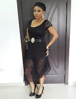Toke Makinwa dazzles in black outfit