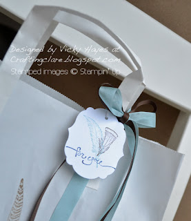 Labels framelits gift tag