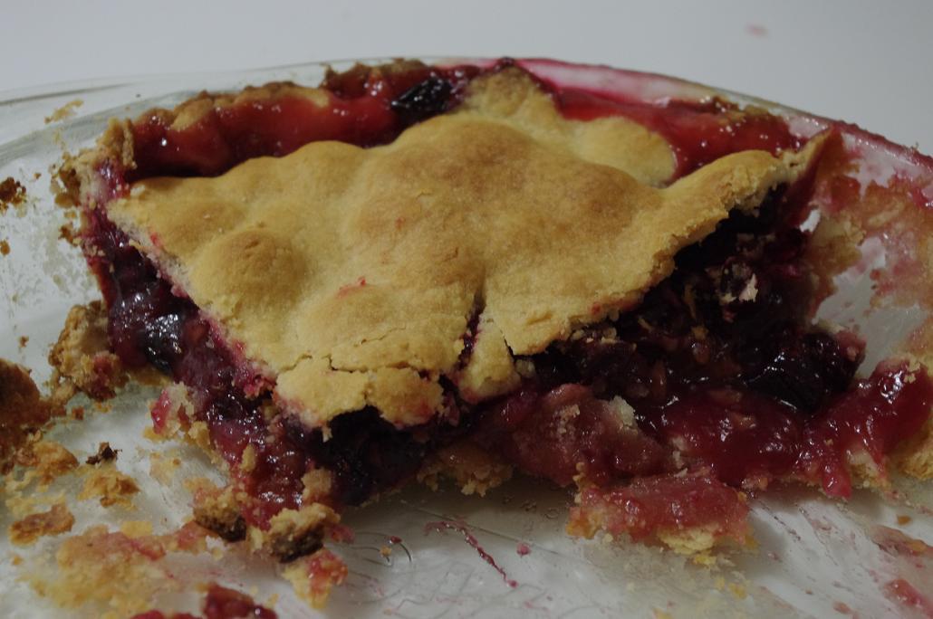 Modern Day Ozzie and Harriet: Cranberry Walnut Pie
