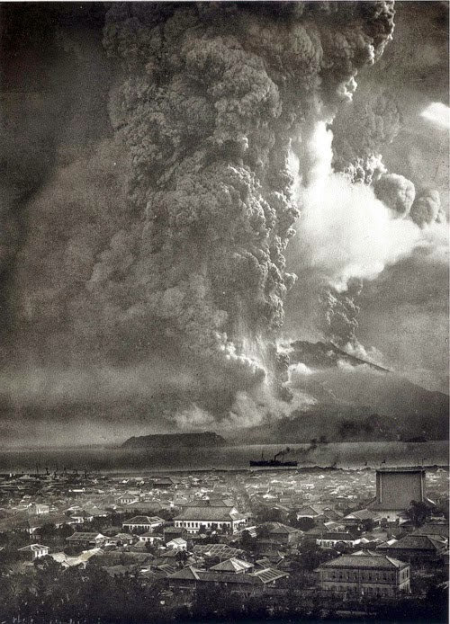 Sakurajima eruption (1914).