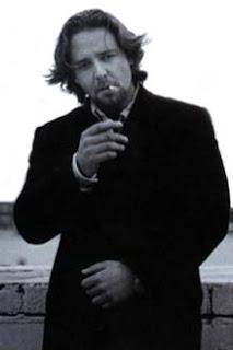 russell crowe smoking