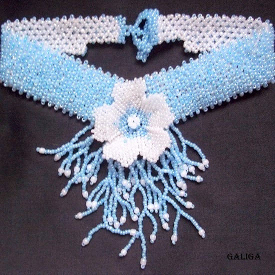 Beaded necklace blue flower