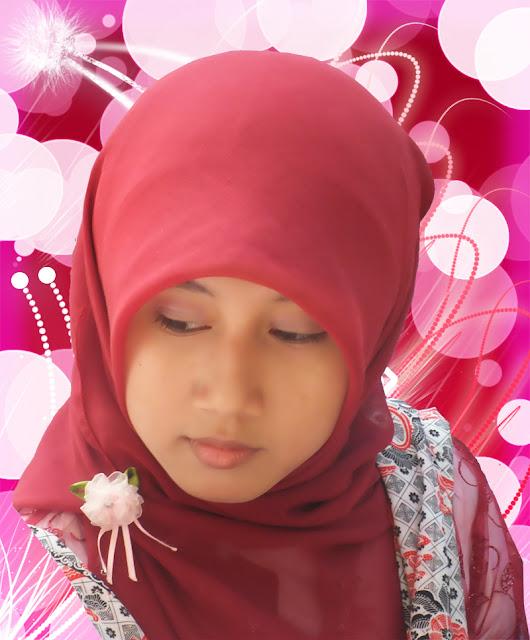 Edit Foto Gadis Kerudung Merah photoshop