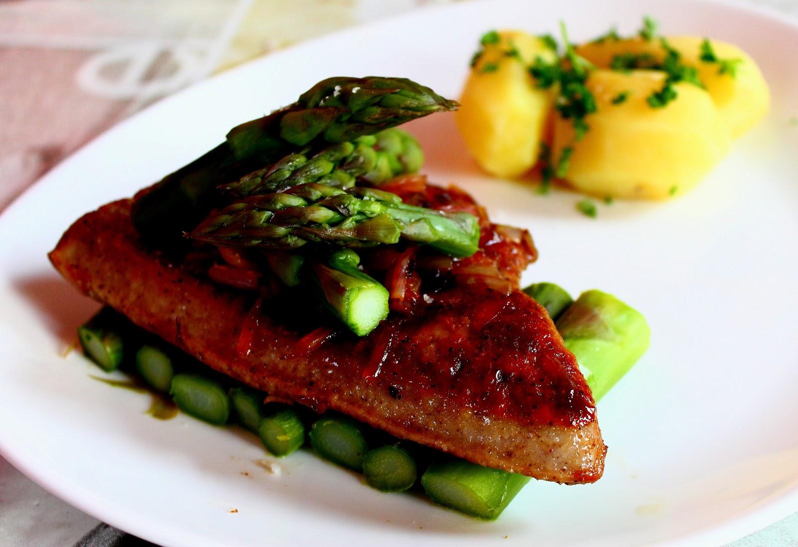 Vous de go ter ce soir foie de veau po l chalotes confites au vinaigre balsamique et - Cuisiner le foie de veau ...