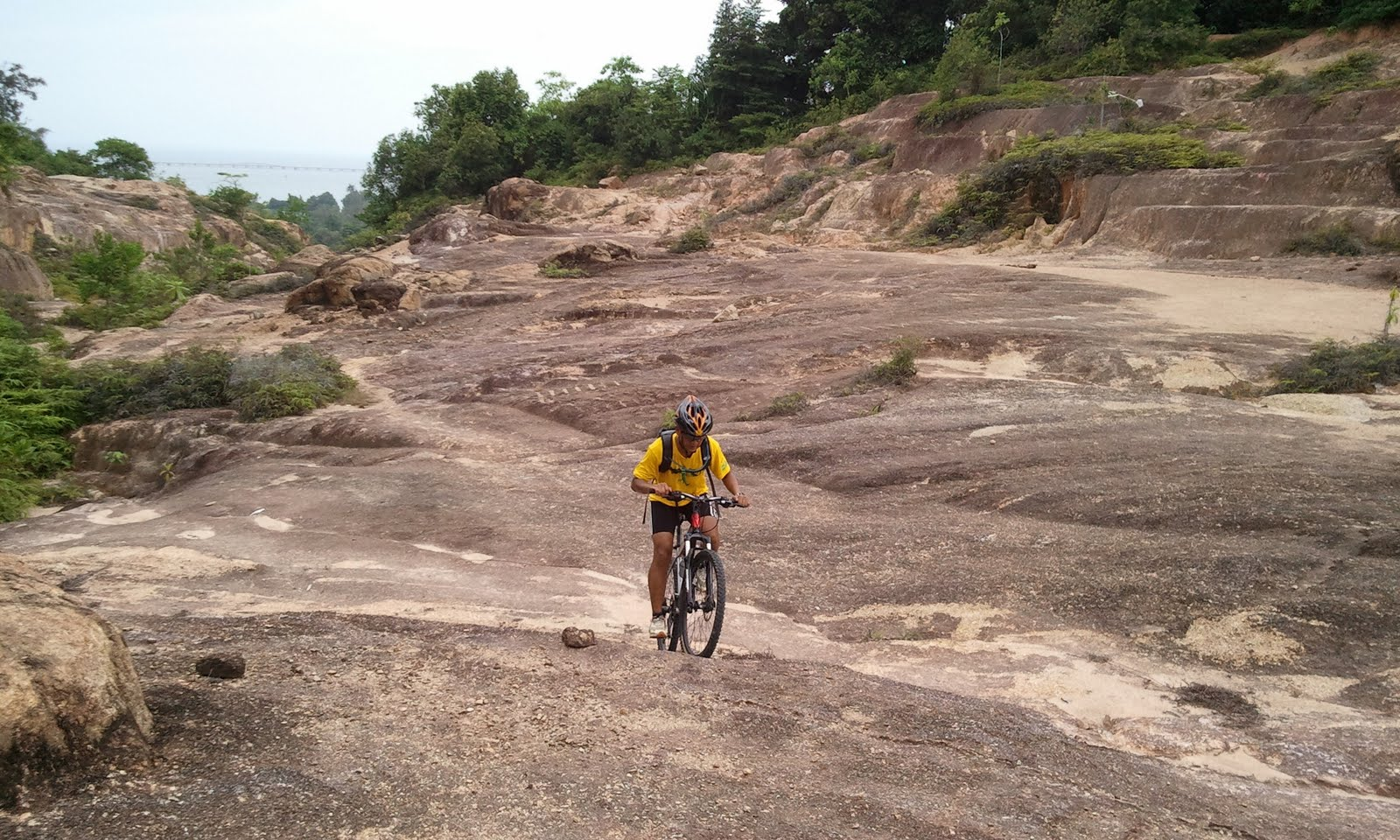 Cycling Team Manjung: DIRT gila posing...layan jer lahh...