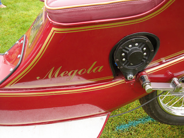 1922-Megola-motorcycle-Rotary-engine-front-wheel-drive-hydro-carbons.blogspot.com-Rear-suspension