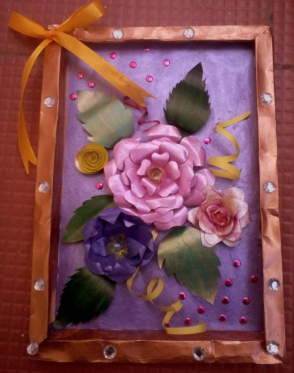 Crafty Persons 3 D Flowers Paper Frame