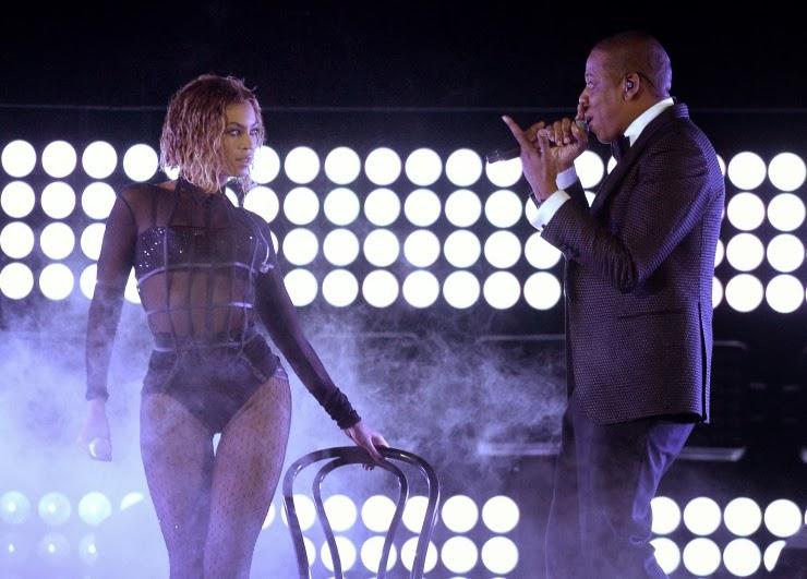 Beyonce wears la perla to the grammy awards