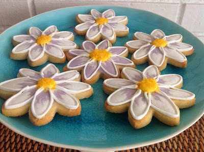 galletas forma de flor decoradas con glasa
