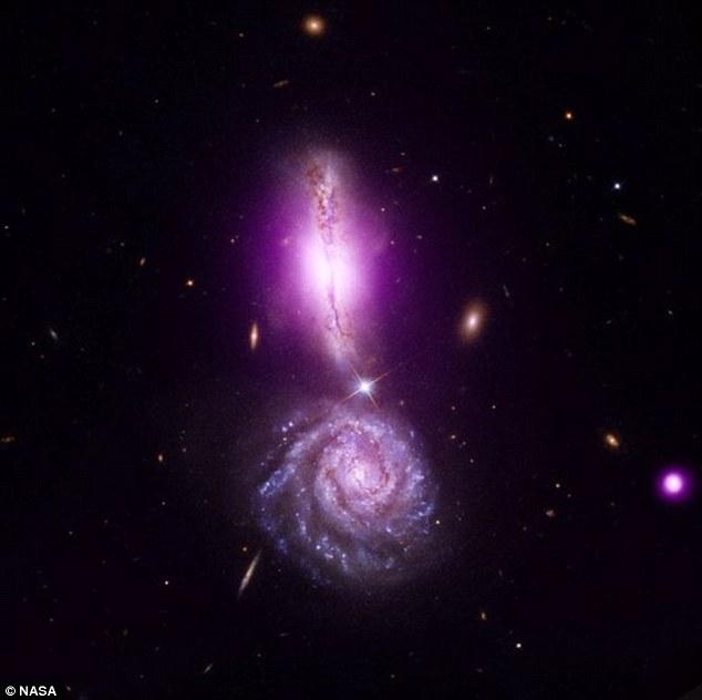 Galaksi berlanggar jadi tanda seruan