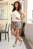 Seerat Kapoor New glam stills-thumbnail-11