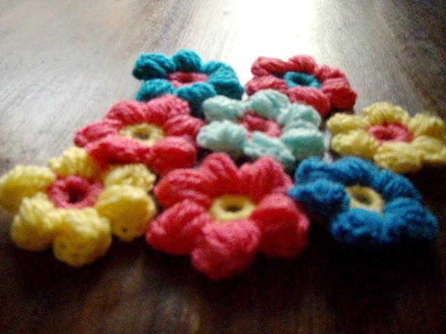 easy crochet puff stich flowers